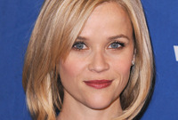 Celebrity-hairstyle-spotlight-reese-witherspoon-side